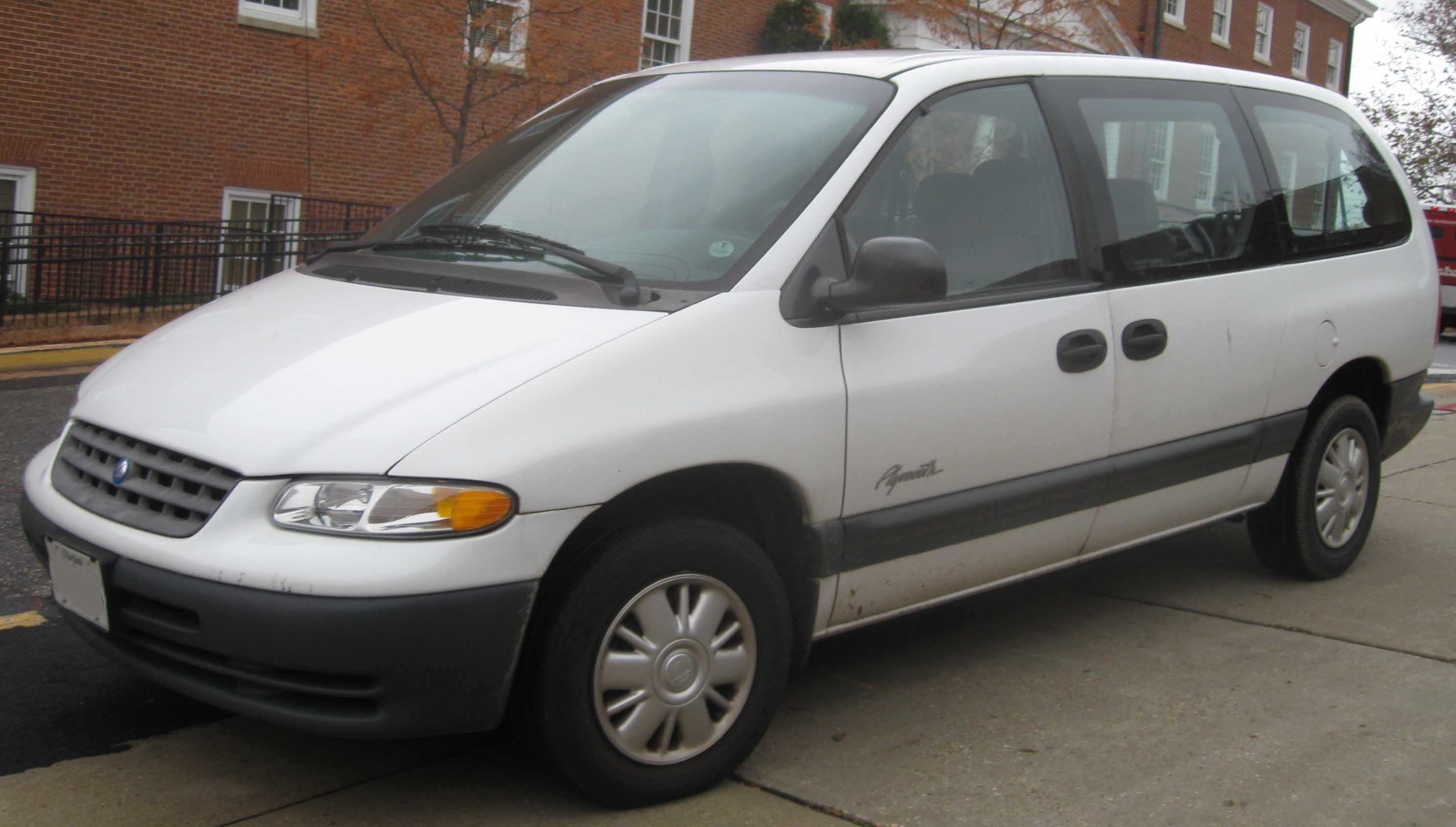 2000 Plymouth Voyager #8