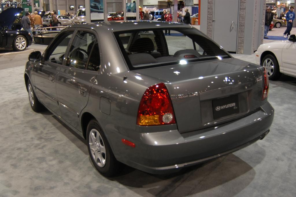 2004 hyundai accent photos informations articles. Black Bedroom Furniture Sets. Home Design Ideas