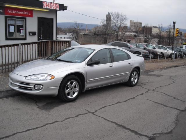 2003 Dodge Intrepid #2