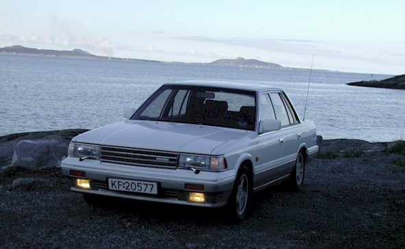 1987 Nissan Laurel #2