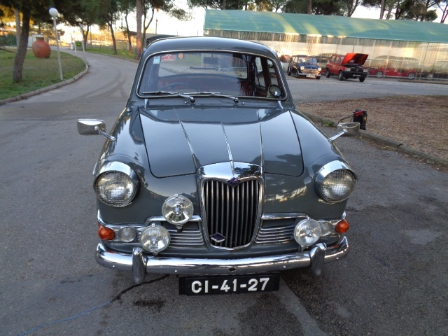 1959 Riley One-Point-Five #13