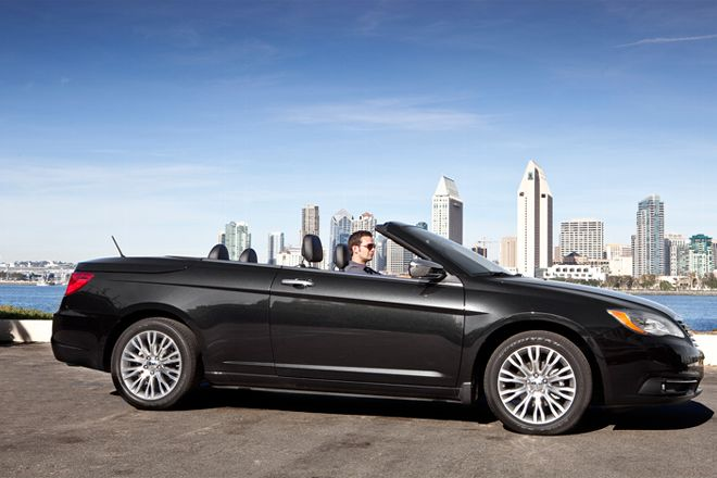Chrysler 200 CONVERTIBLE #9