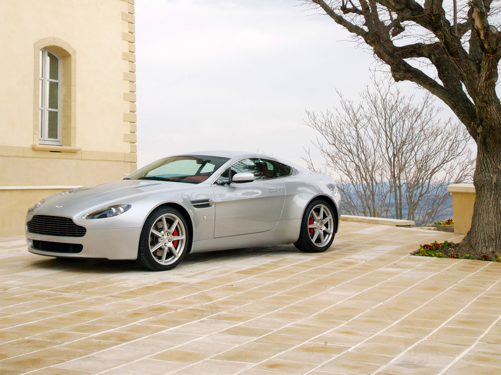 2007 Aston Martin V8 Vantage Photos Informations Articles Bestcarmag Com