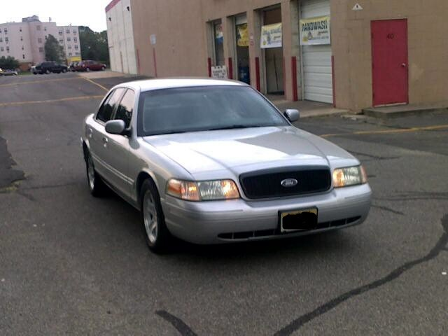 2002 Ford Crown Victoria #16
