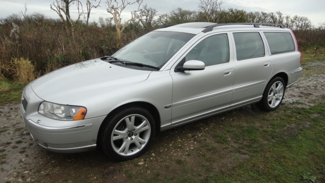 2005 Volvo V70 Photos, Informations, Articles - BestCarMag com