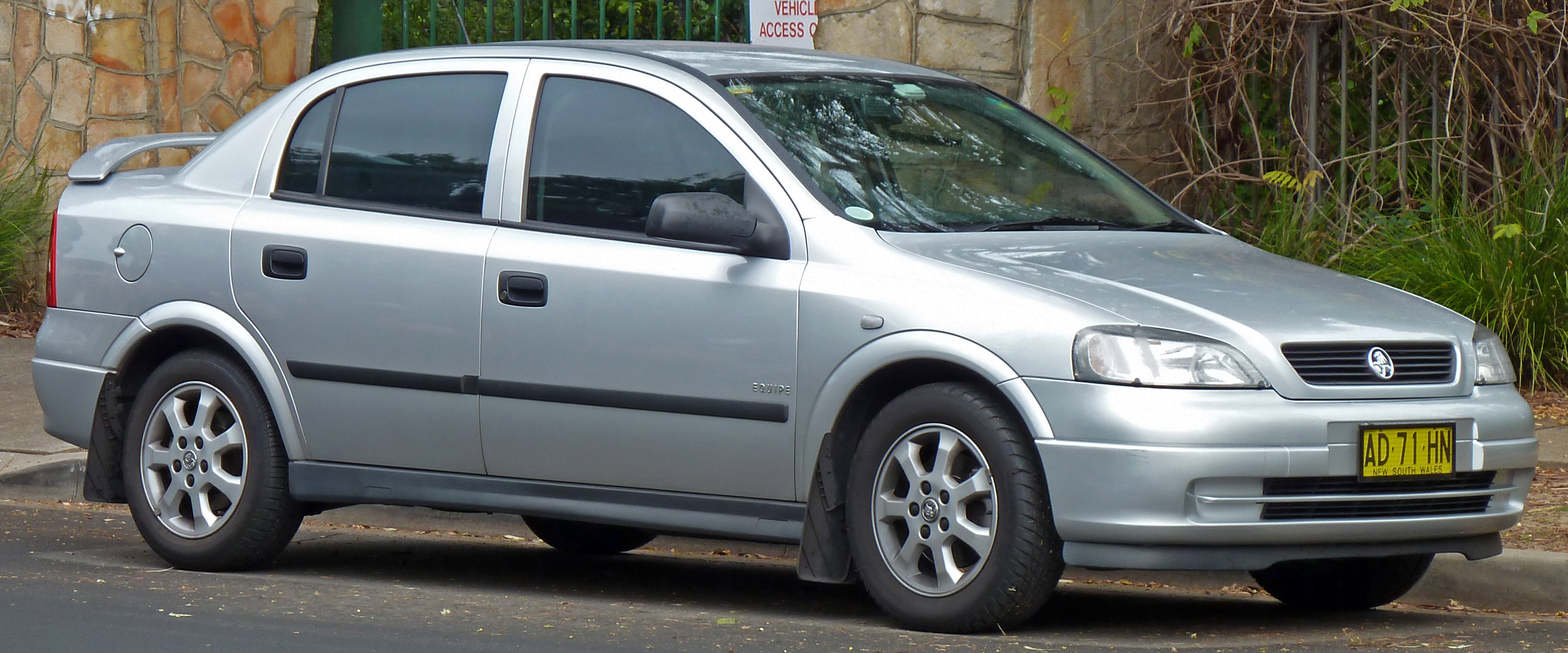 2005 holden astra photos informations articles