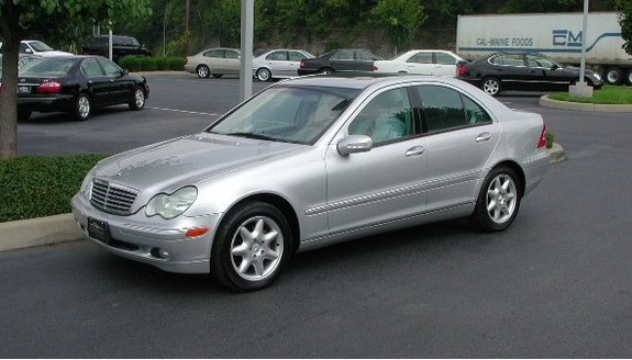 2002 mercedes benz c class photos informations articles for 2002 mercedes benz c class