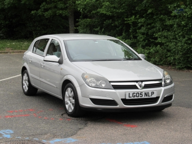 2005 vauxhall astra photos informations articles. Black Bedroom Furniture Sets. Home Design Ideas