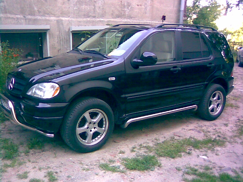 2001 mercedes benz ml photos informations articles for Mercedes benz ml320 suv