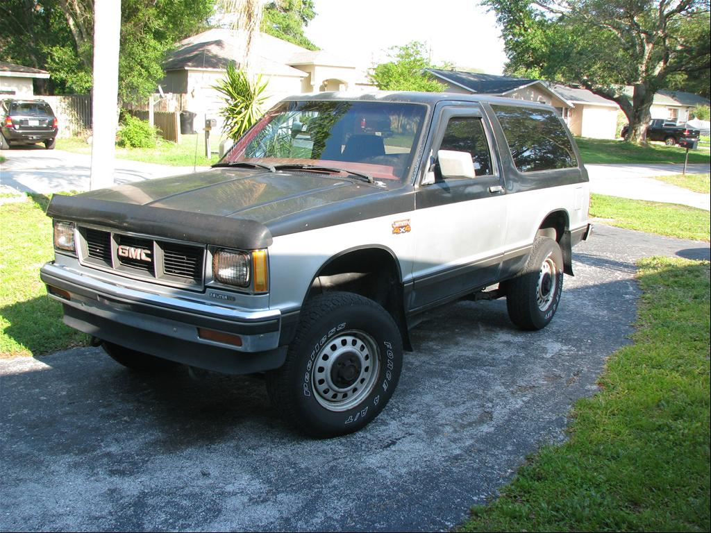 1991 GMC S-15 Jimmy #10