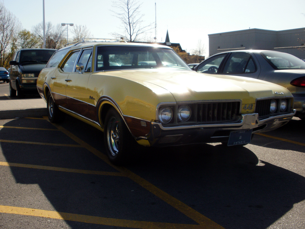 1969 Oldsmobile Vista Cruiser #14