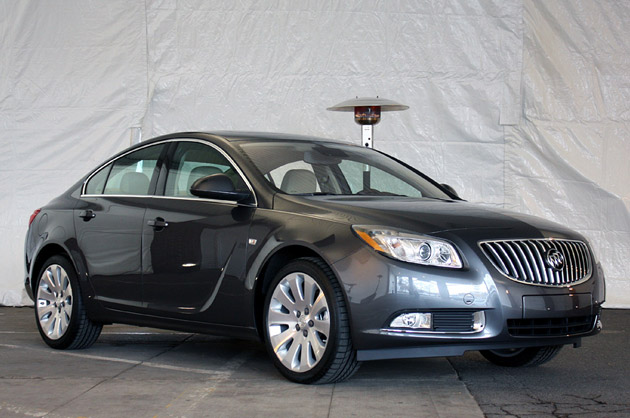 2011 Buick Regal #2