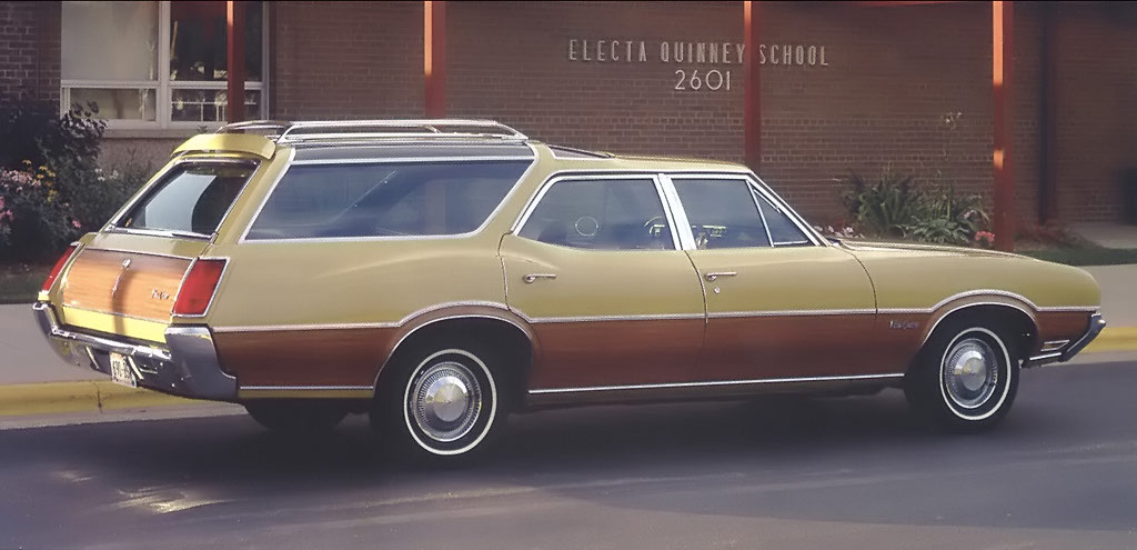 1971 Oldsmobile Vista Cruiser #4