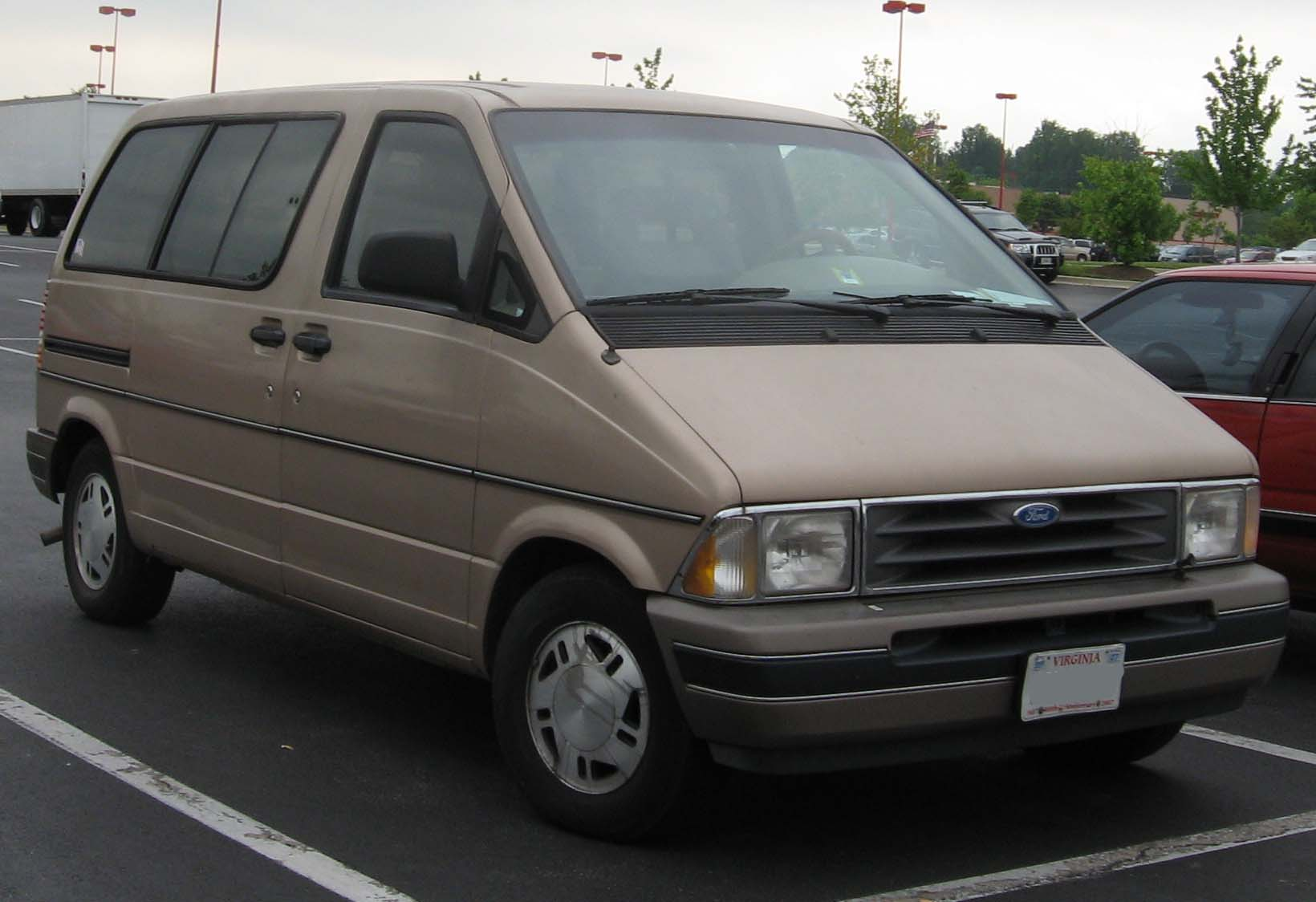 1997 Ford Royale #16