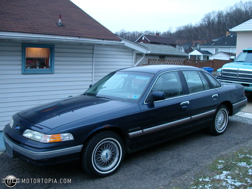 1992 Ford Crown Victoria #10