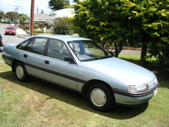 1990 Holden Commodore #3