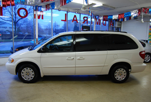 2002 Chrysler Town And Country #8