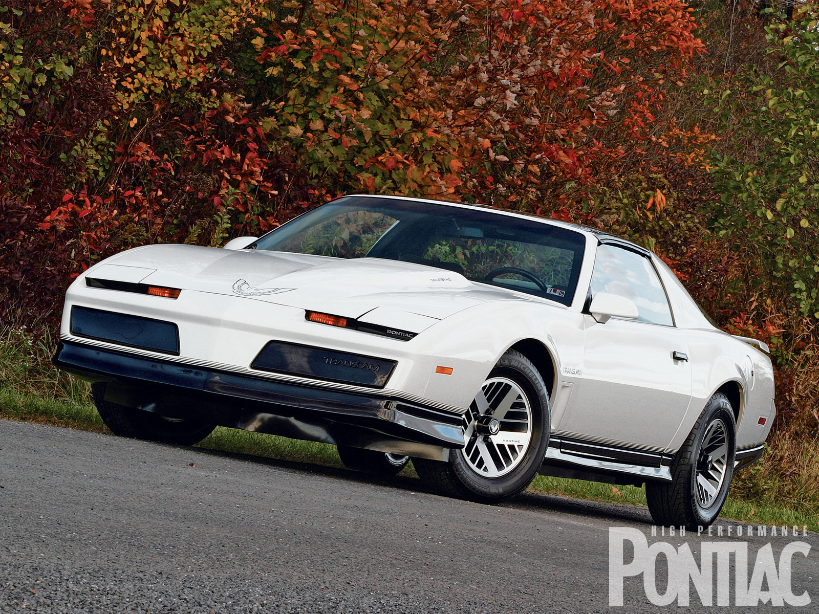 1984 pontiac trans am photos informations articles bestcarmag com 1984 pontiac trans am photos