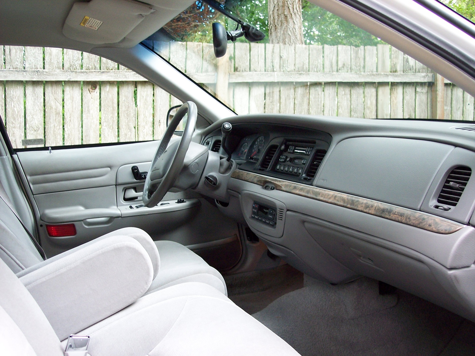 1999 Ford Crown Victoria #7
