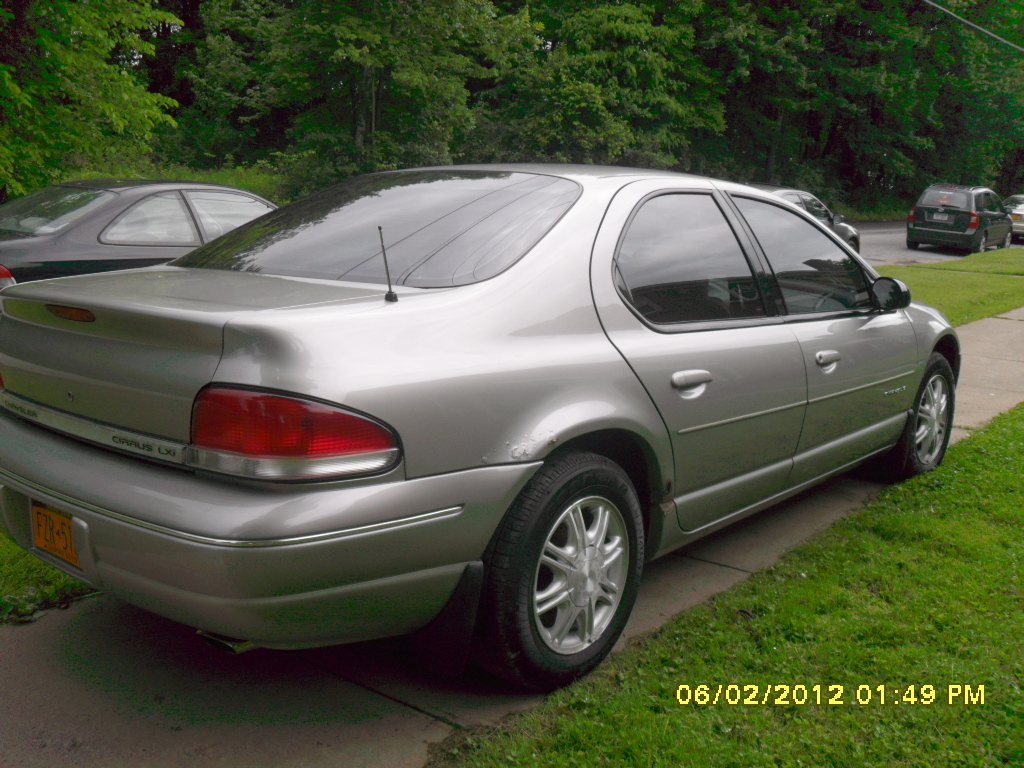 1995 Chrysler Cirrus #3