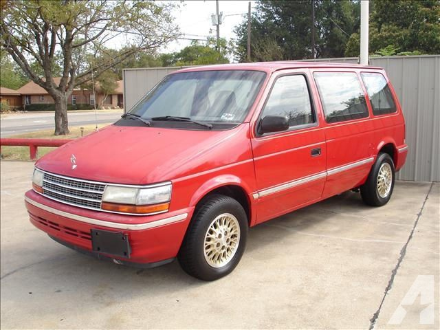 1993 Plymouth Voyager #8