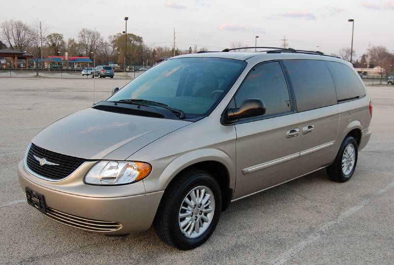 2004 Chrysler Town And Country #6