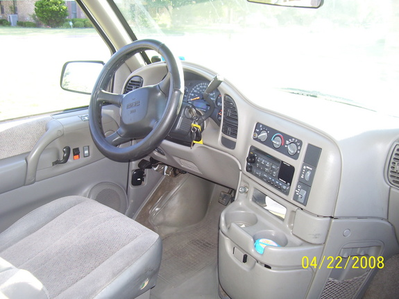 2001 GMC Safari #4