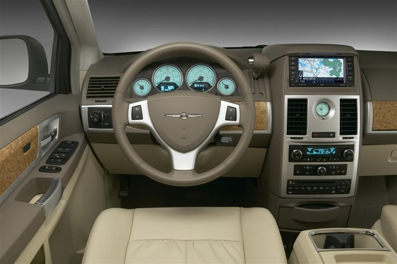 2010 Chrysler Town And Country #6
