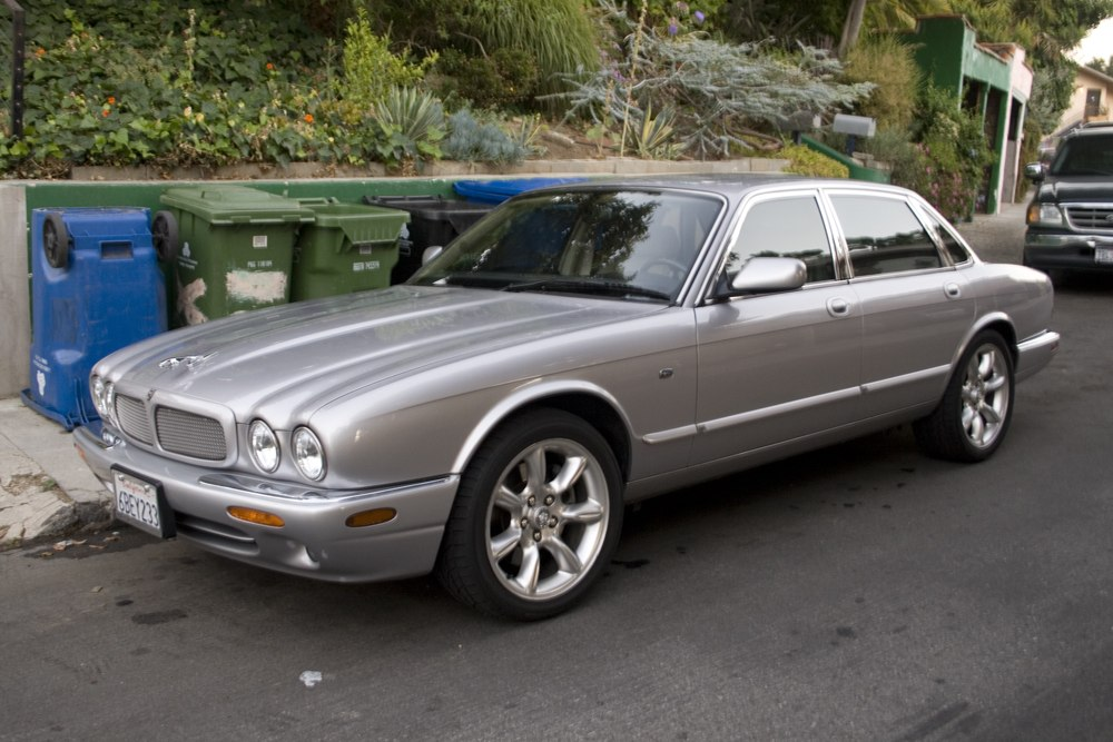 2000 Jaguar Xj-series #1