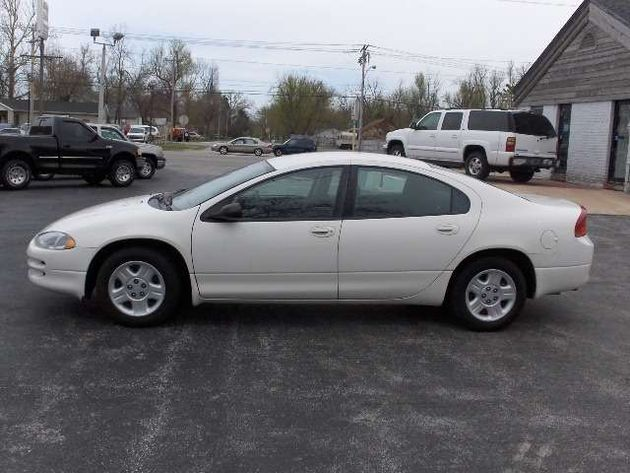 2004 Dodge Intrepid #3