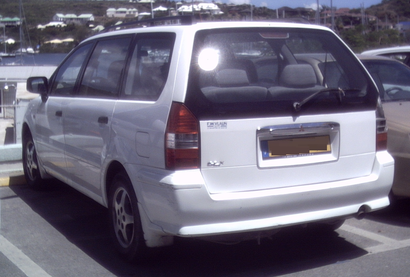 1999 Mitsubishi Space Wagon #10