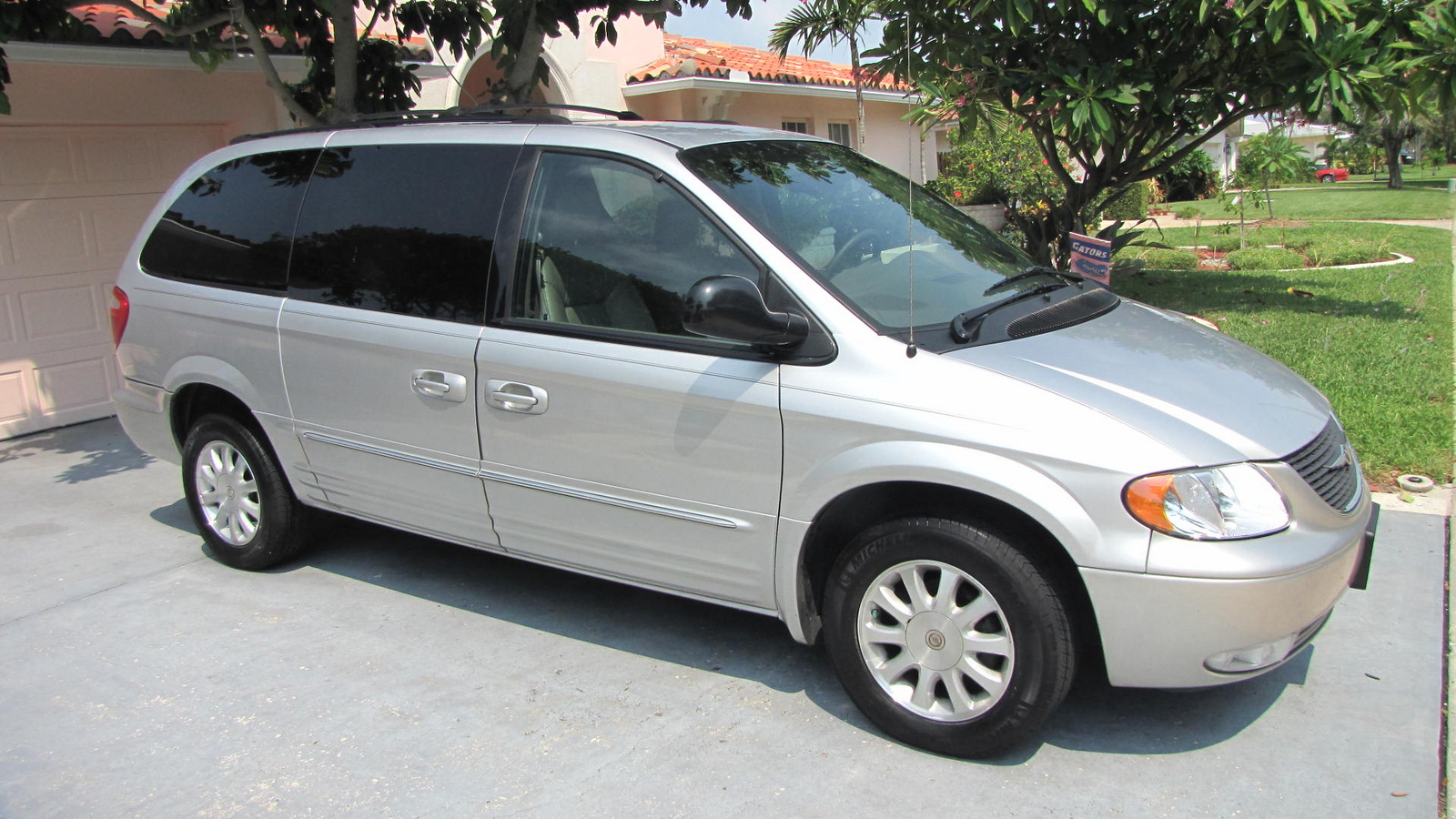 2003 Chrysler Town And Country #2