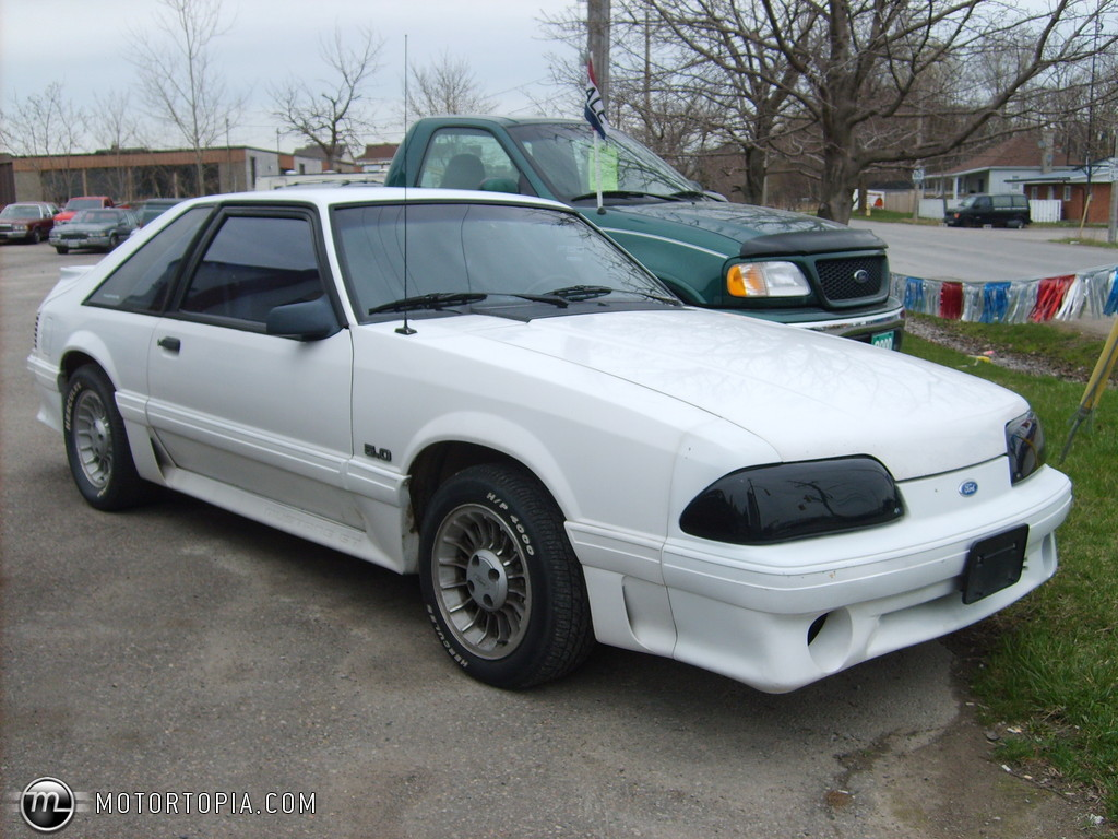 1990 Ford Mustang #13