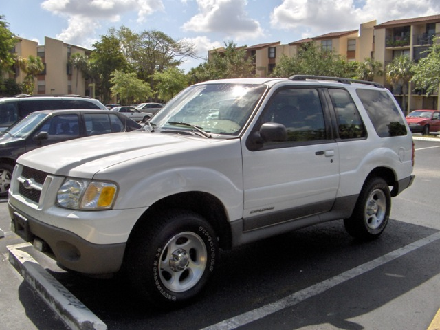 2002 ford explorer sport photos informations articles bestcarmag. Cars Review. Best American Auto & Cars Review
