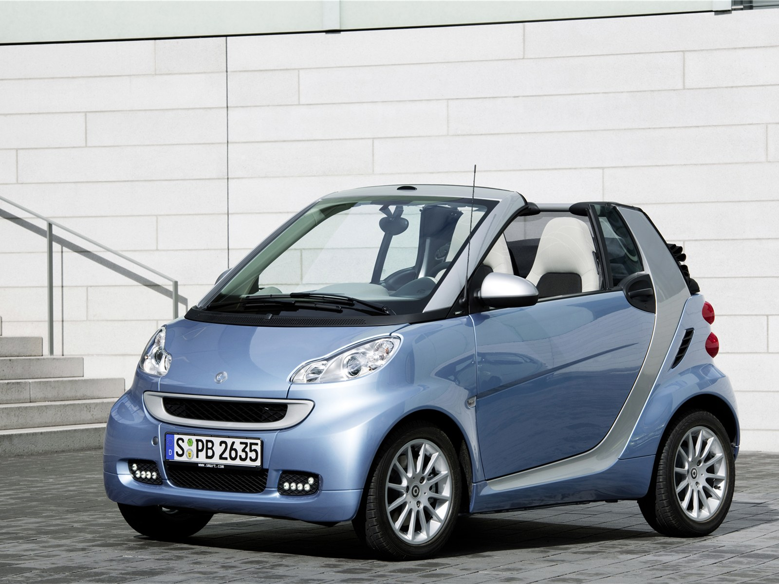 2011 Smart Fortwo #1