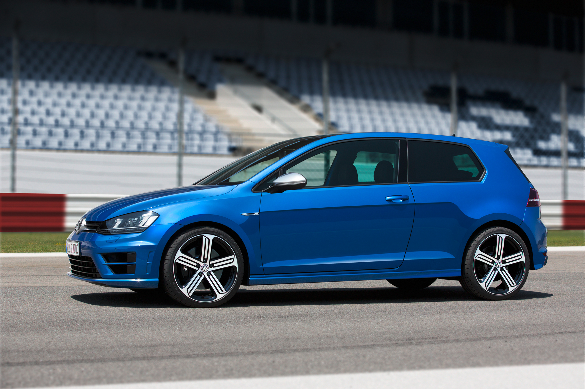 2015 Volkswagen Golf R #4
