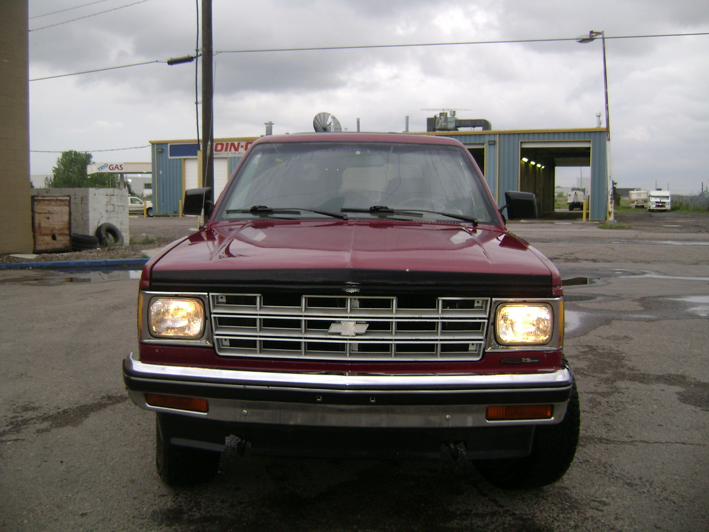1990 GMC S-15 Jimmy #11