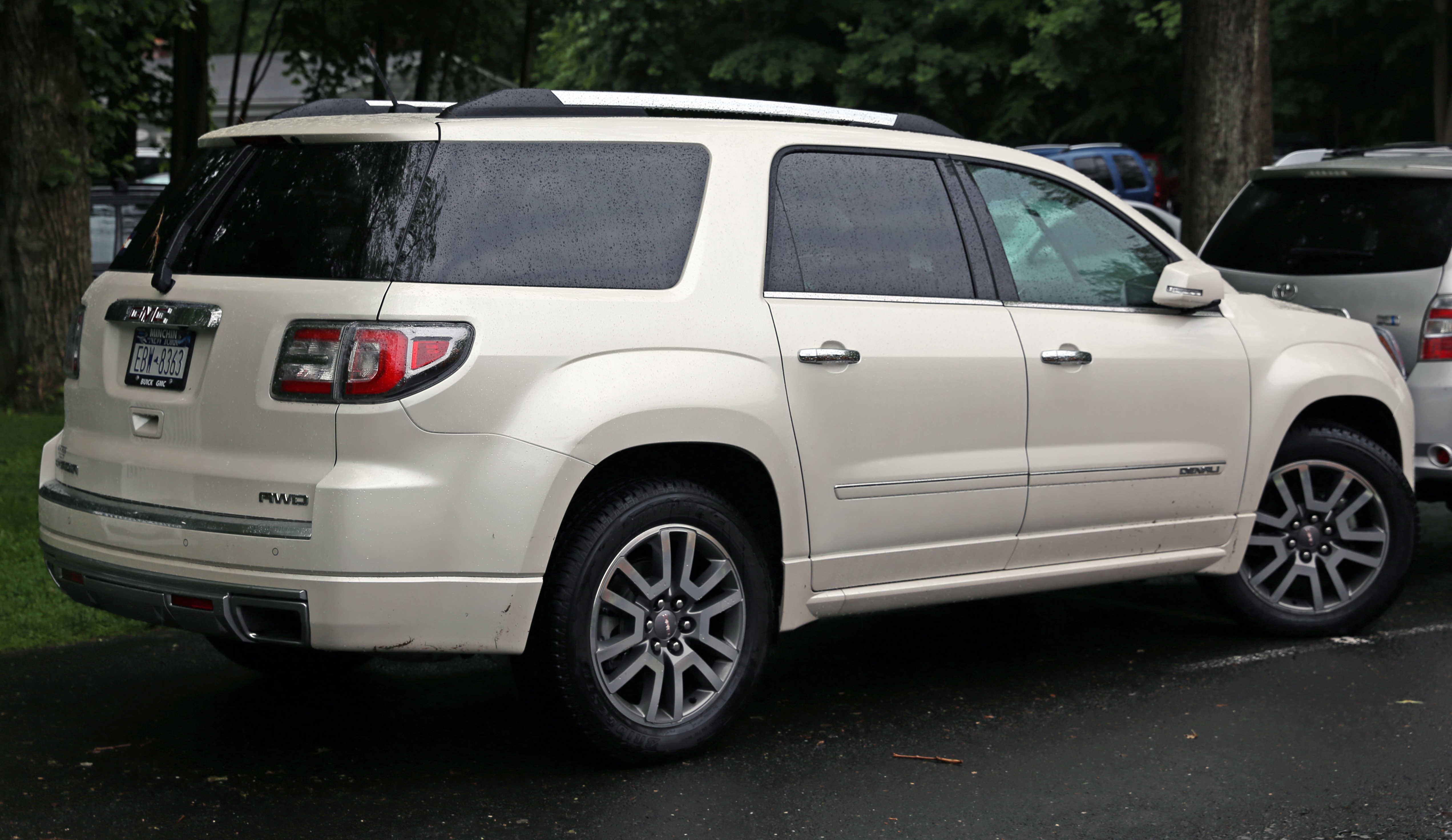 Mesmerizing On A 2009 Gmc Denali Fuse Box Images - Best Image Wire ...