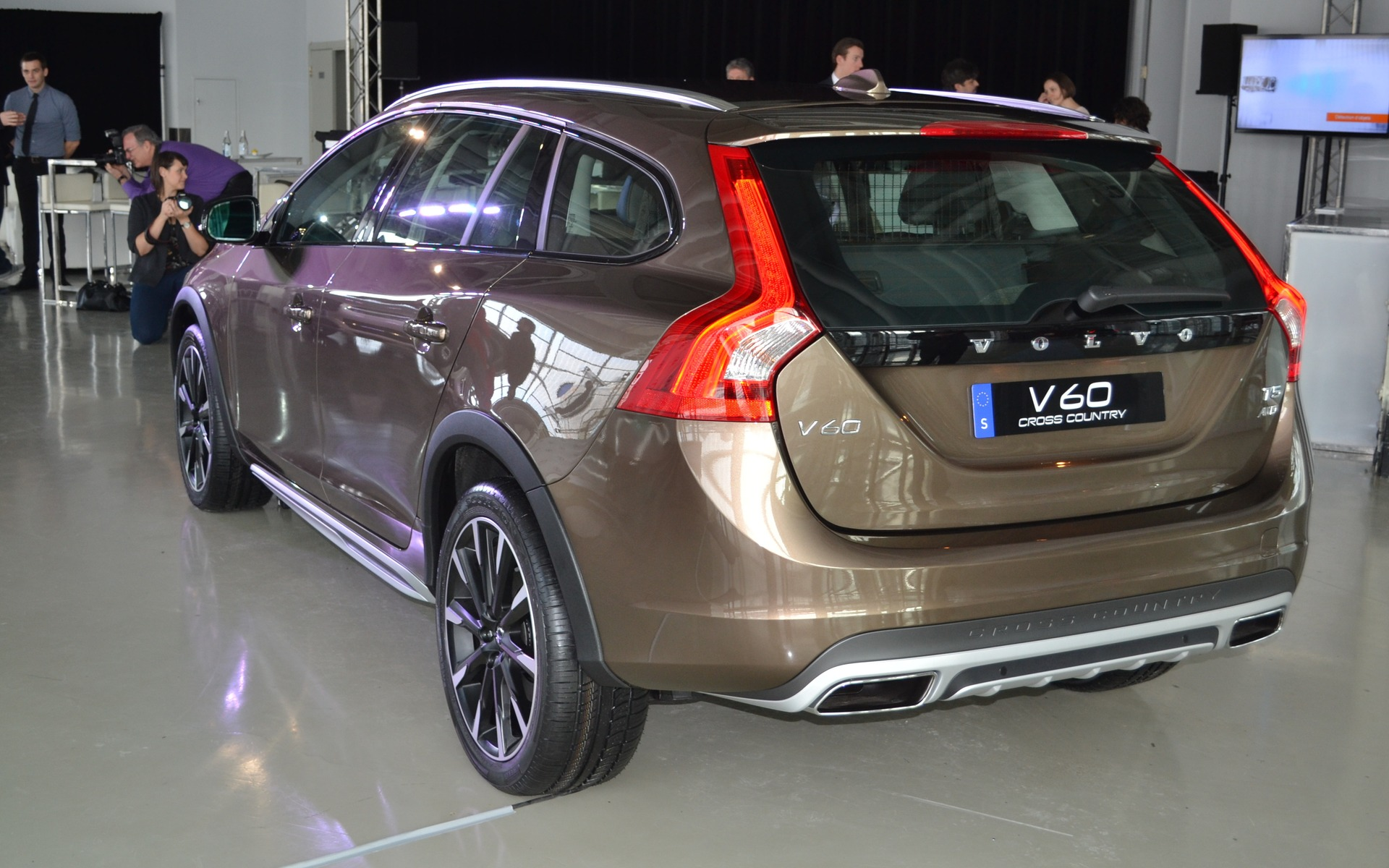 Volvo V60 Cross Country #11