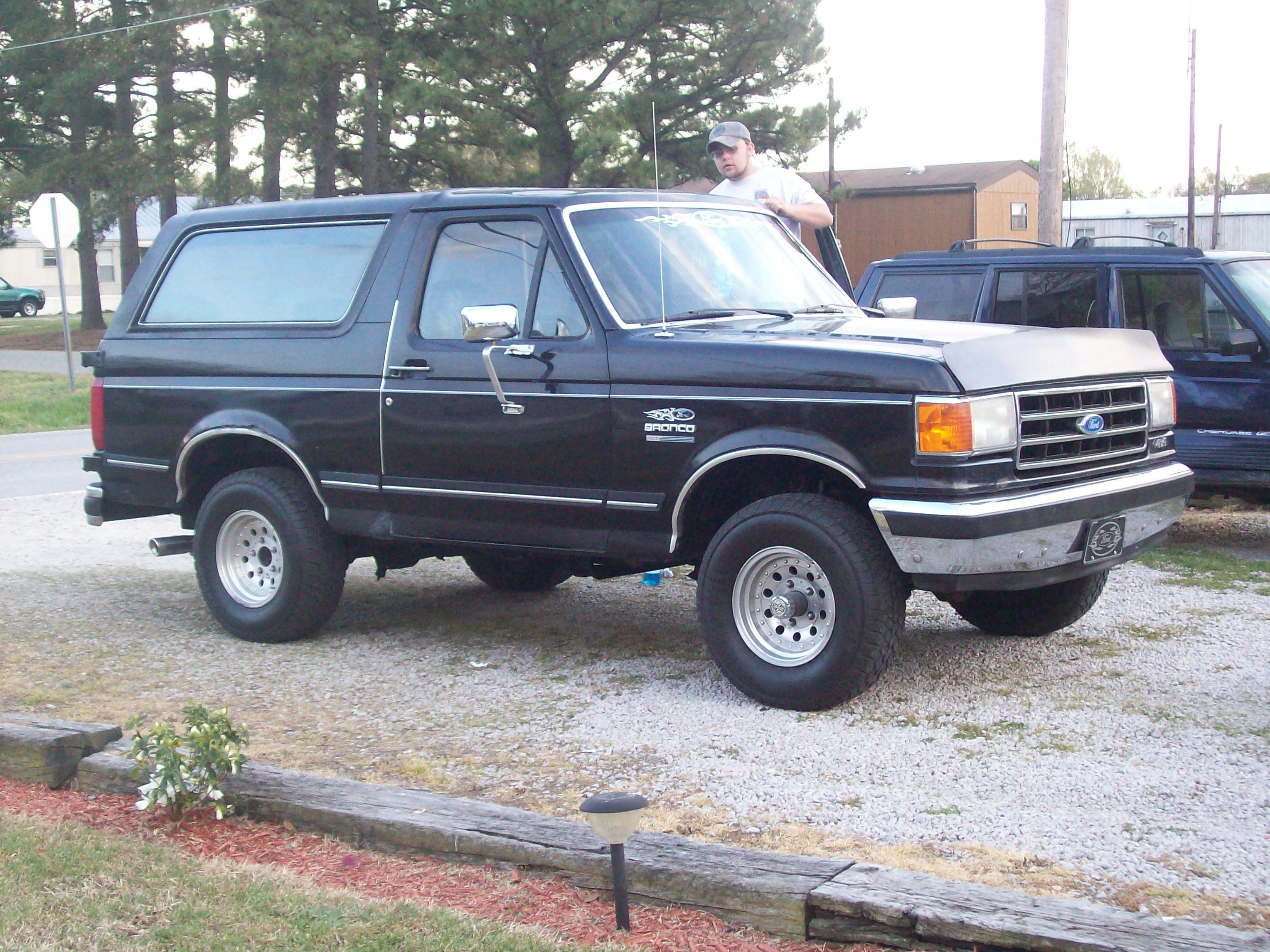 1991 Ford Bronco #4