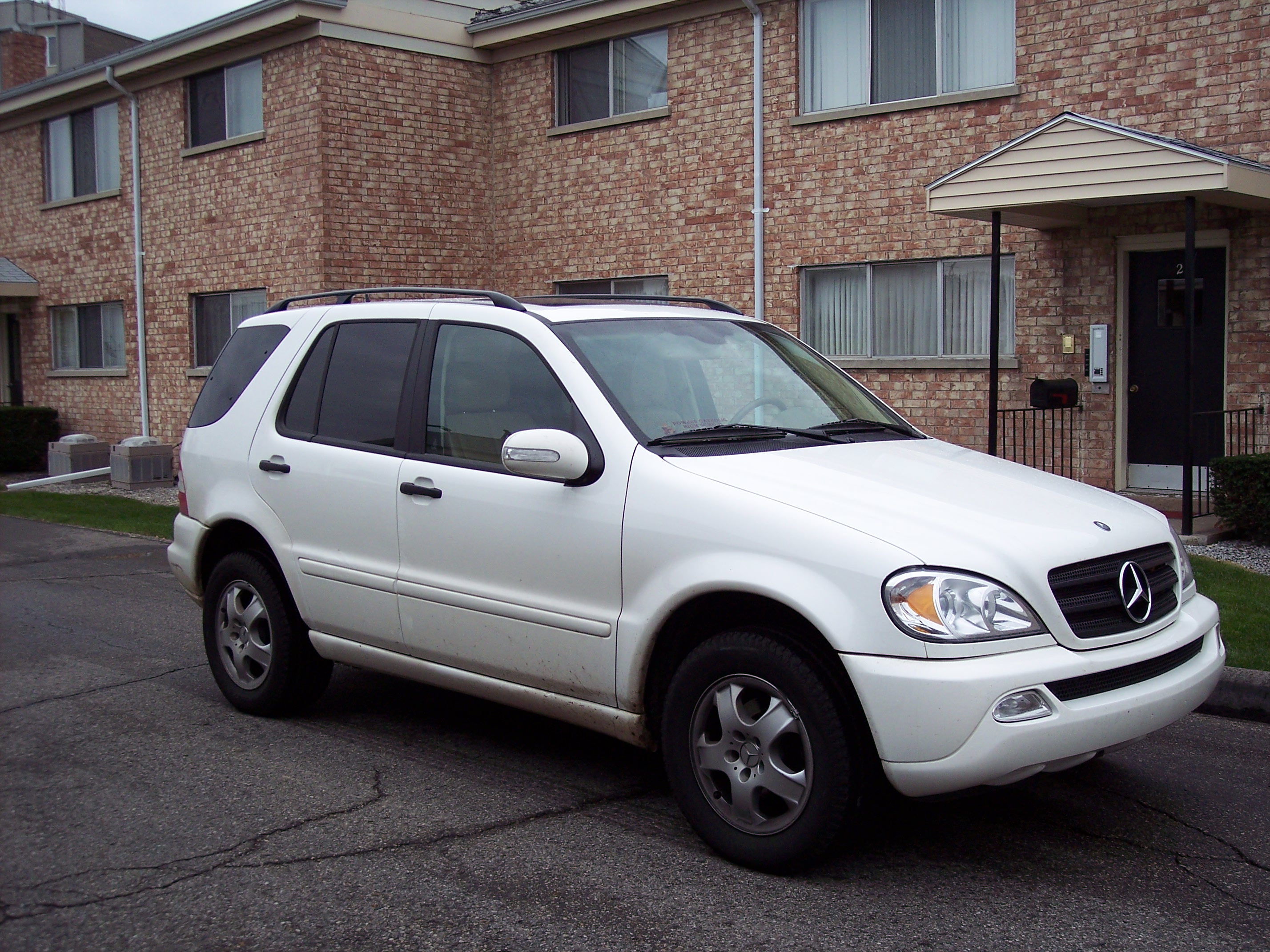 2003 Mercedes-Benz ML #4