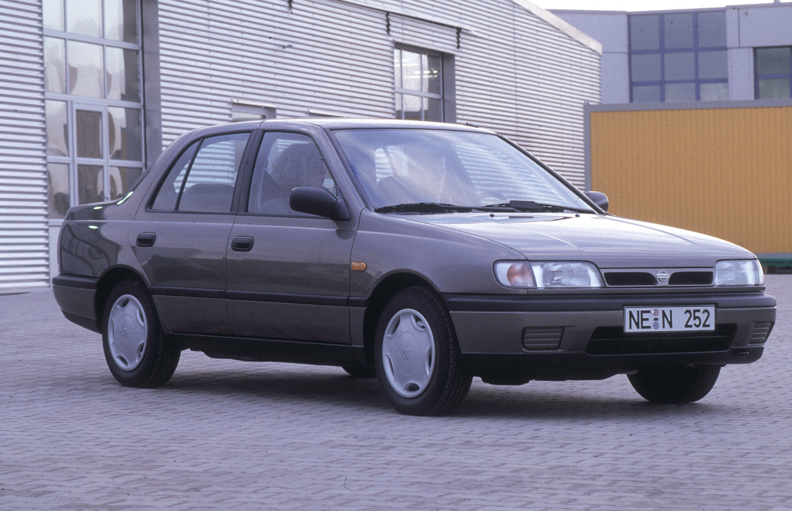 1999 Nissan Sunny Photos  Informations  Articles