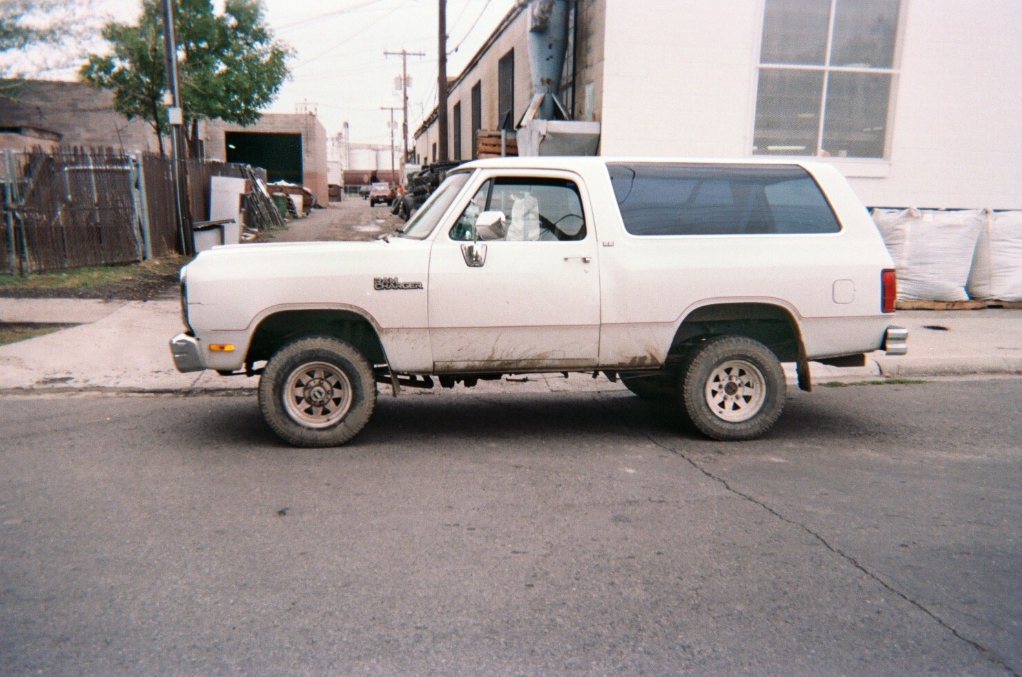 1991 Dodge Ramcharger #6