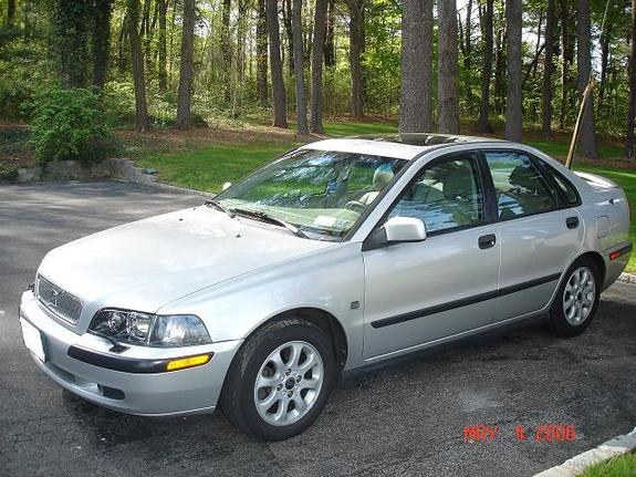 2001 Volvo S40 Photos, Informations, Articles - BestCarMag.com