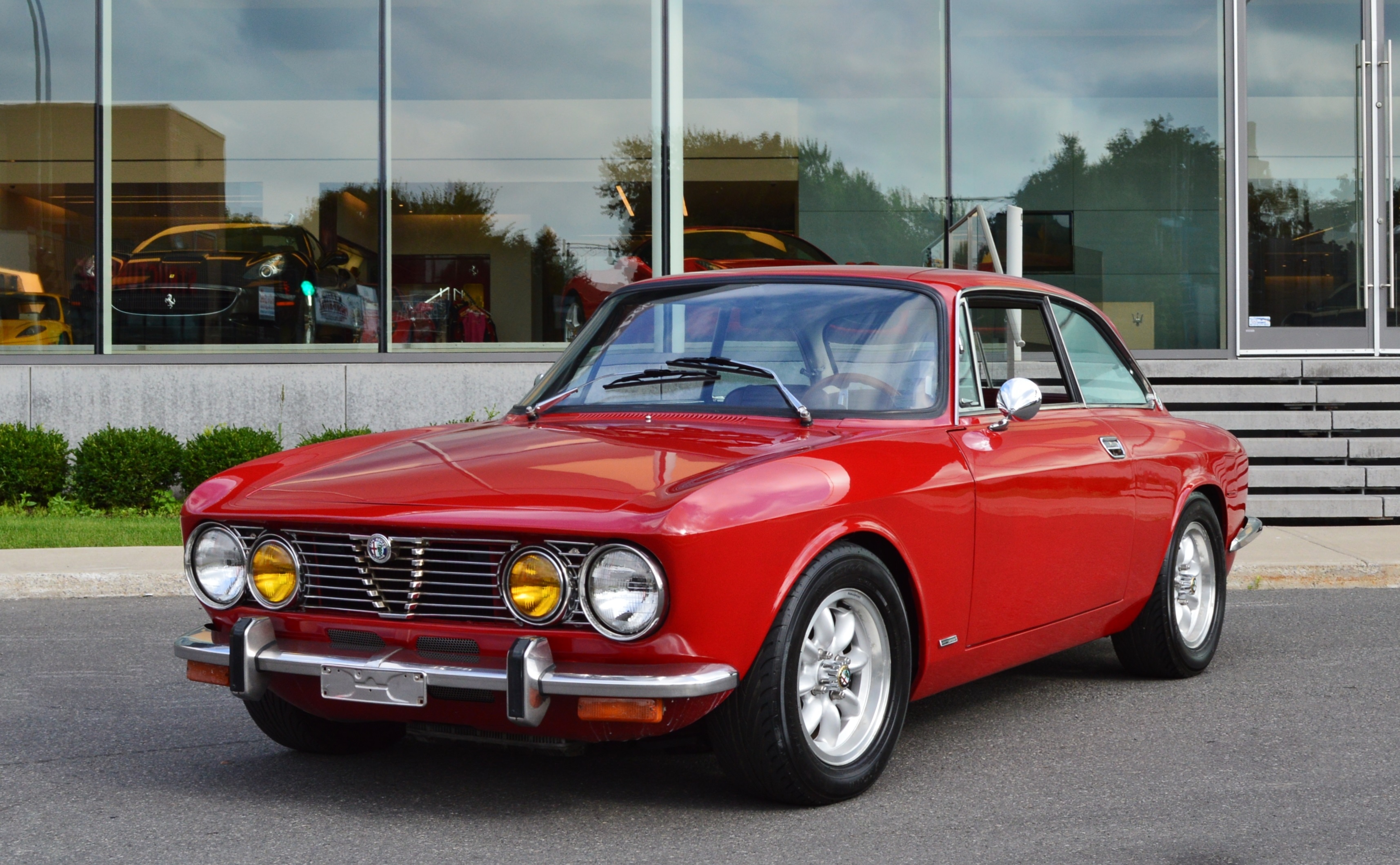 Alfa romeo gtv photos informations articles for Interieur 78