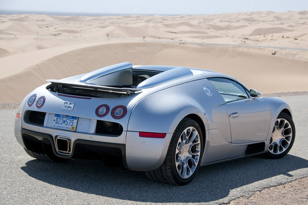 bugatti veyron 16 4 photos informations articles. Black Bedroom Furniture Sets. Home Design Ideas