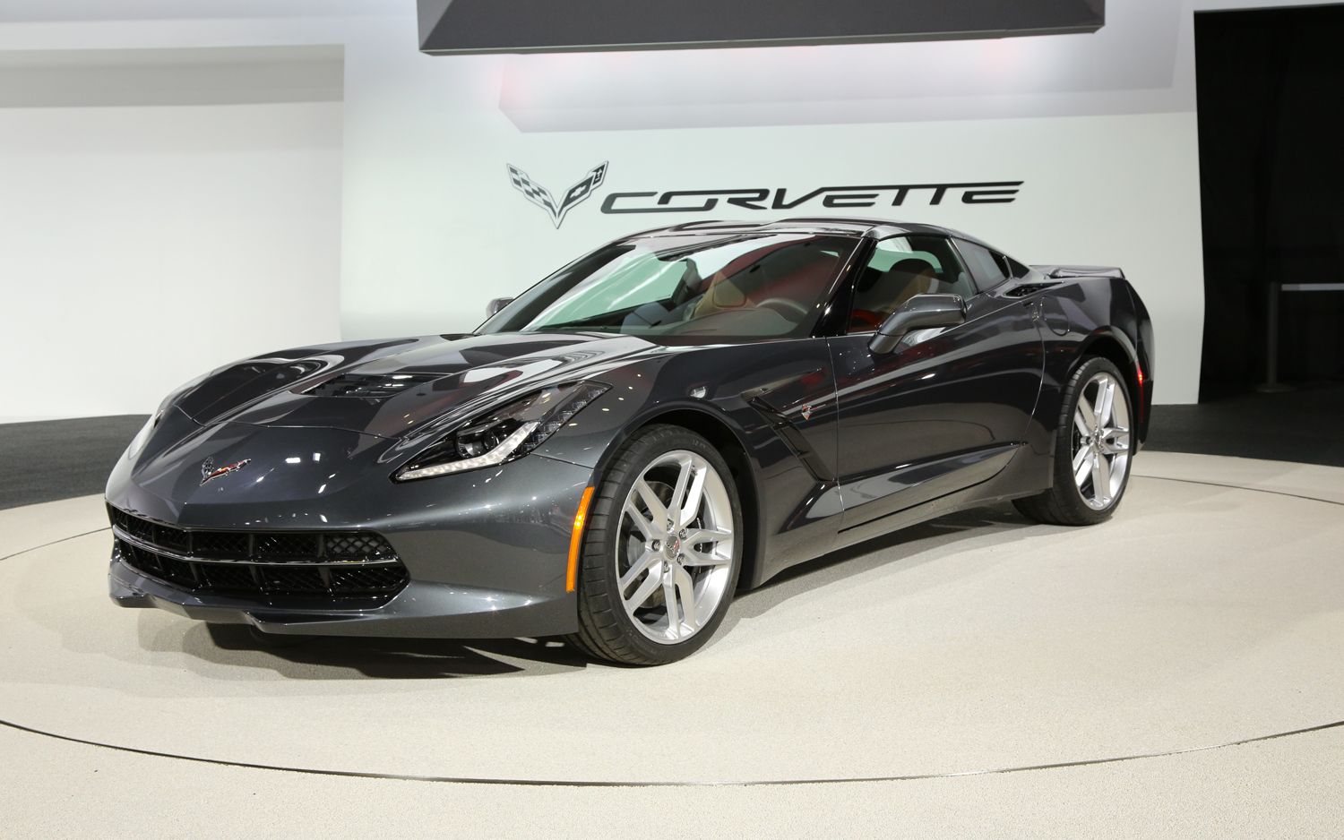 Chevrolet Corvette Stingray #20