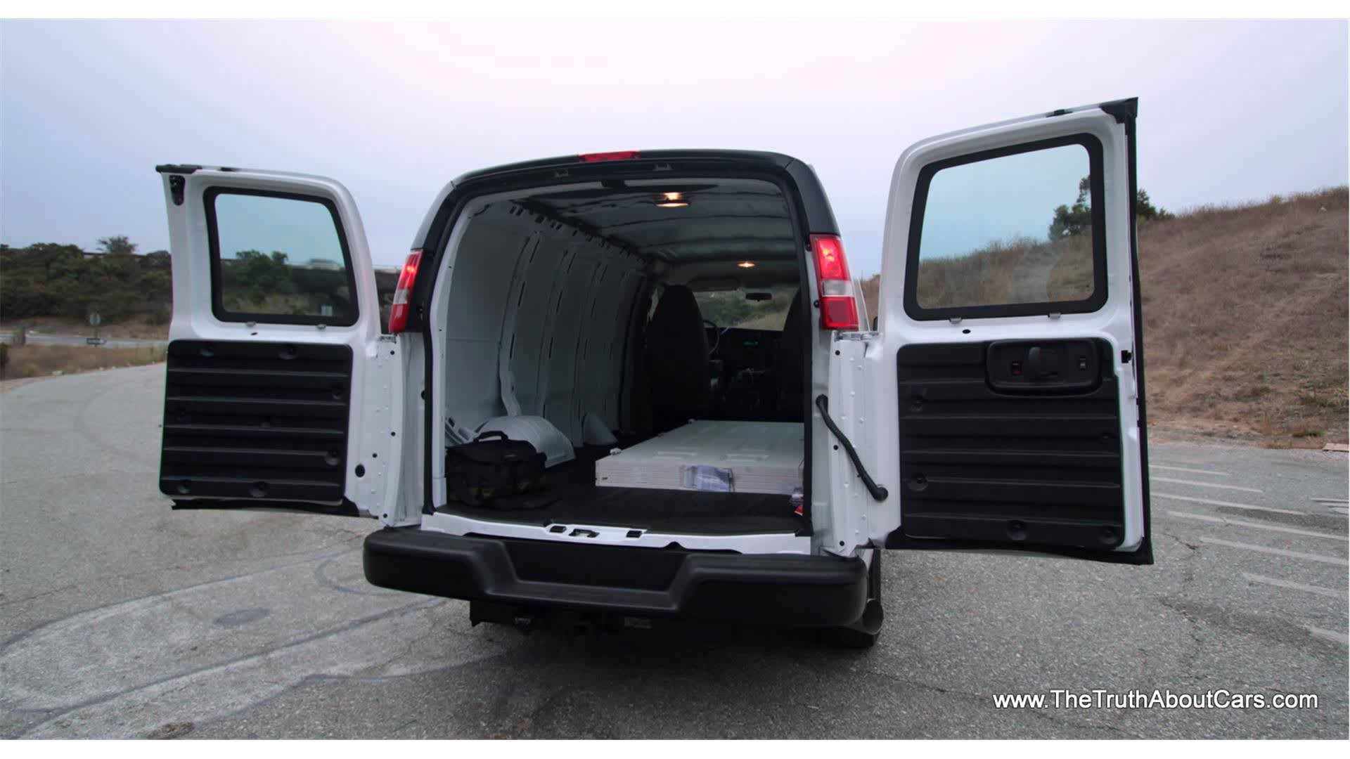 chevrolet express cargo photos informations articles. Black Bedroom Furniture Sets. Home Design Ideas