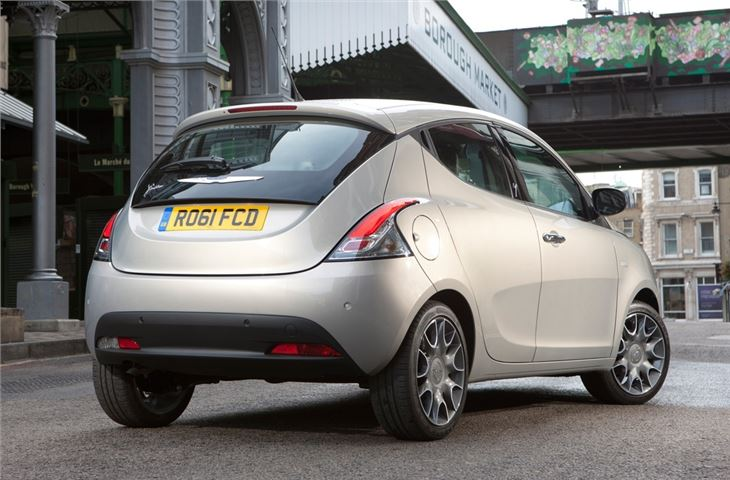 Chrysler Ypsilon #21