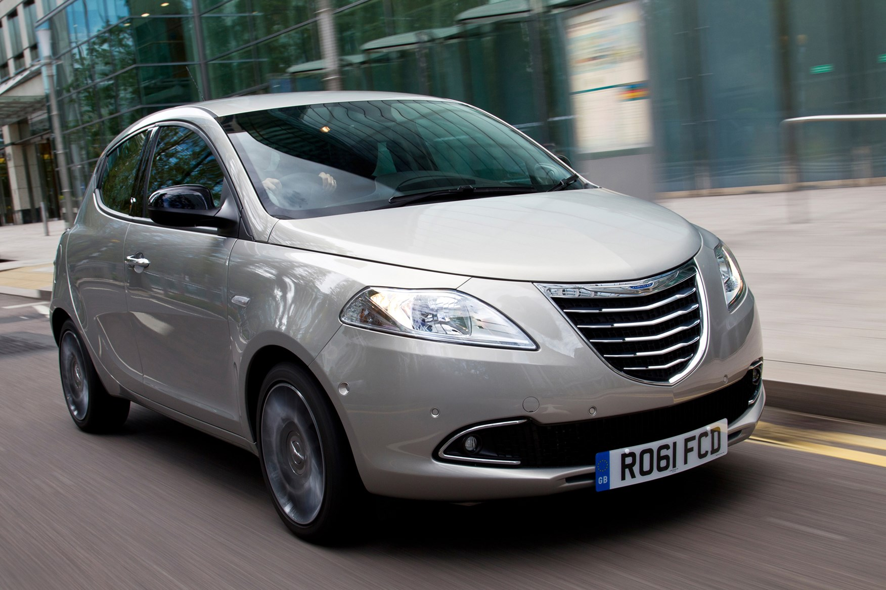 Chrysler Ypsilon #17